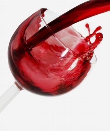 calice con vino rosso