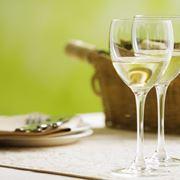 vino bianco e uva